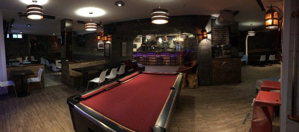 M-Montreal-hostel-bar